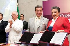 Carlos Peralta Quintero y Yoloxóchitl Bustamante Díez